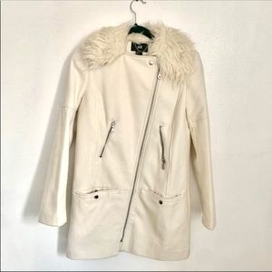 H&M White peacoat /jacket with fur